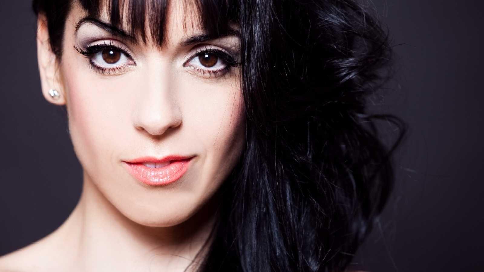 """Eurovisión 2014 - Ruth Lorenzo canta """"Dancing in the rain"""""""