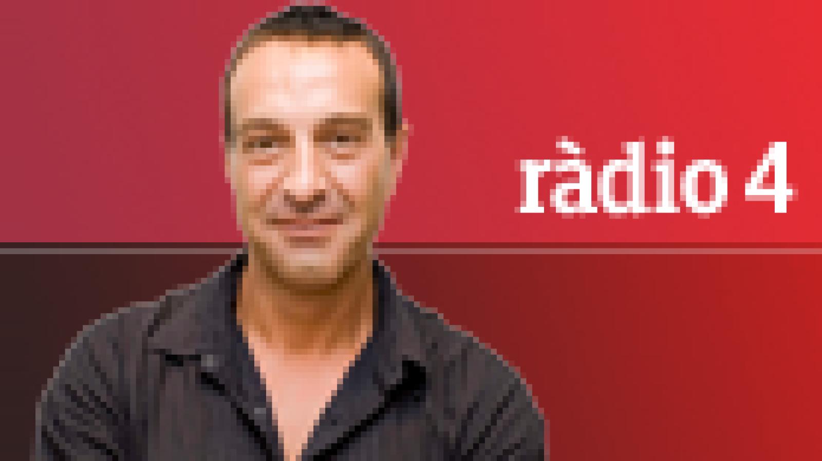 Matí a 4 Bandes - Secció de periodisme col·lectiu Mèdia.cat. Entrevista a Miquel Molina 'Una flor del mal'