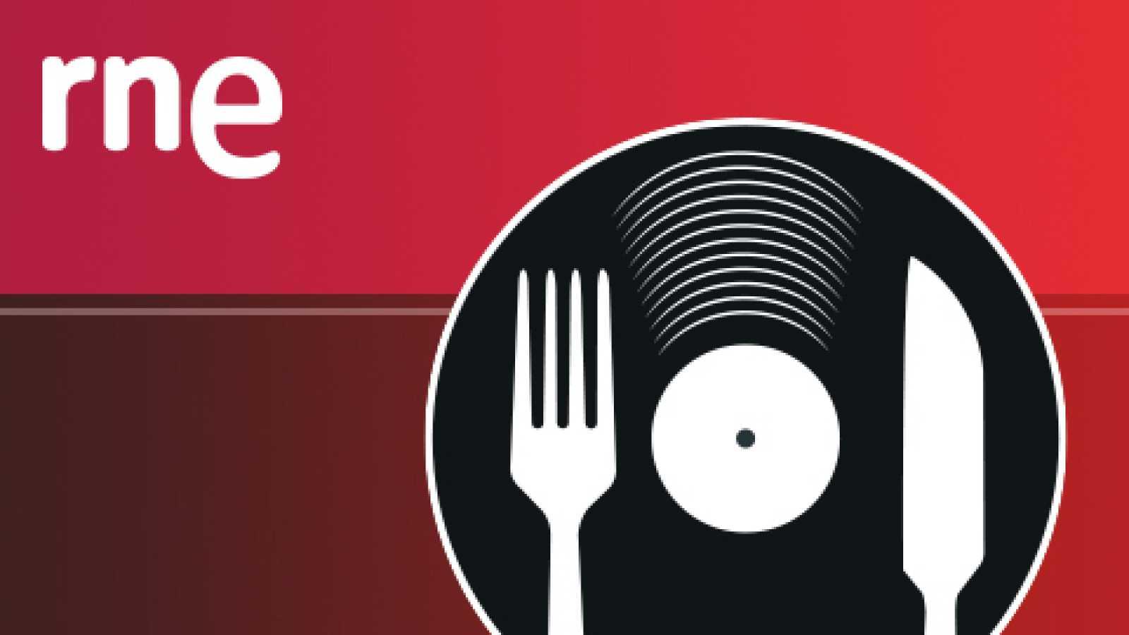 Comer y cantar - Ensalada de naranja con níscalos asados y pescado en salazón casero - 27/04/14 - escuchar ahora