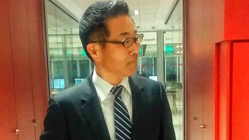 """24 horas - Kazuhiko Koshikawa, embajador de Japón en España: """"La limpieza de Fukushima avanza, pero aún hay muchos evacuados"""" - 21/05/15 - Escuchar ahora"""