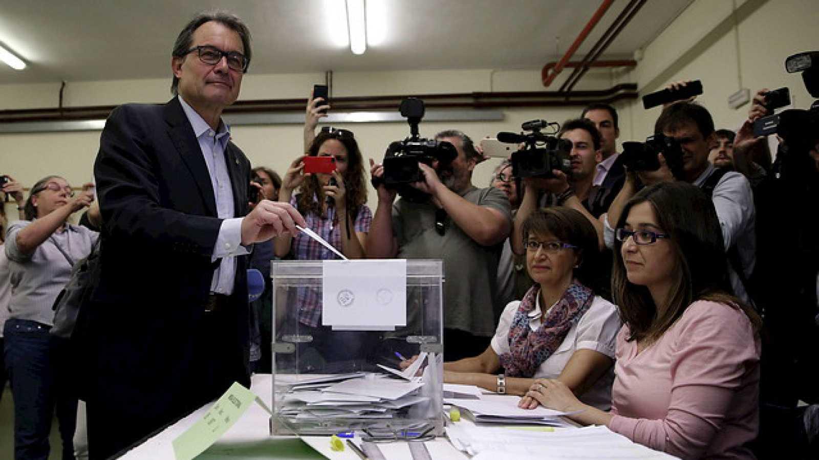 """Radio 5 Actualidad - Artur Mas: """"Hemos ganado las elecciones en las peores condiciones"""" - Escuchar ahora"""