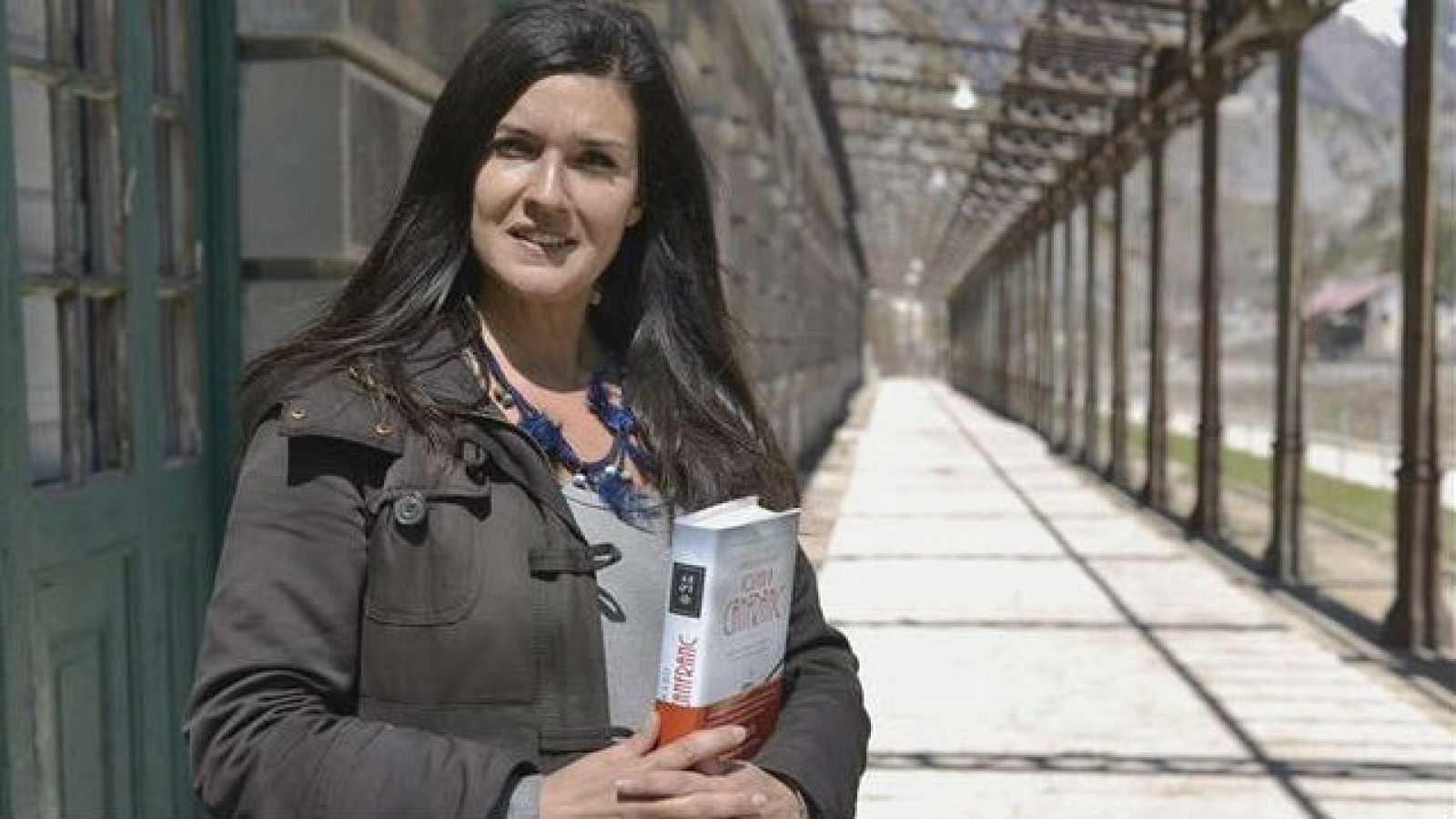 Las mañanas de RNE - Rosario Raro nos presenta su novela 'Volver a Canfranc' - Escuchar ahora