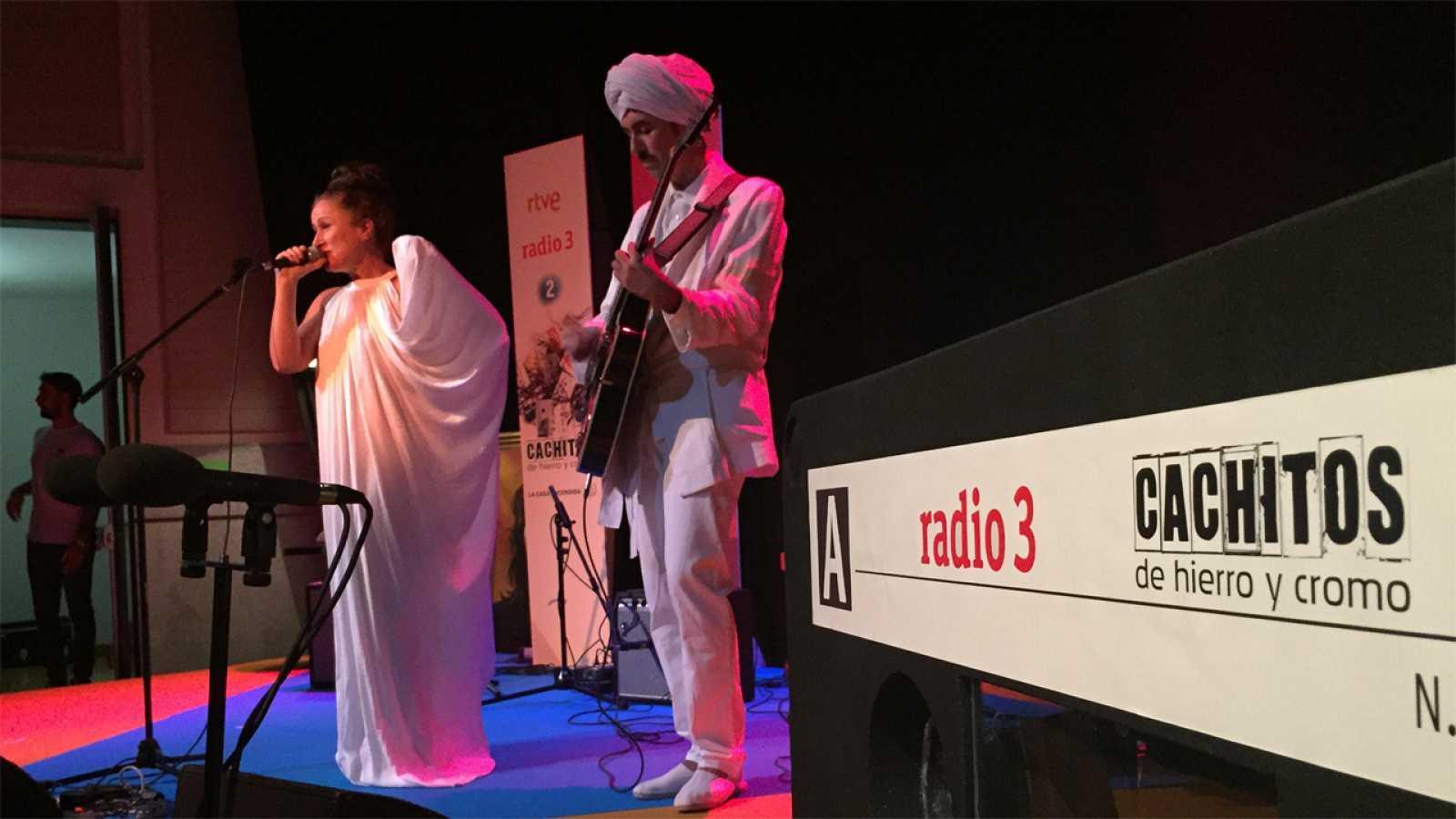 Fiesta de Cachitos y Radio 3 - 15/09/15 - escuchar ahora