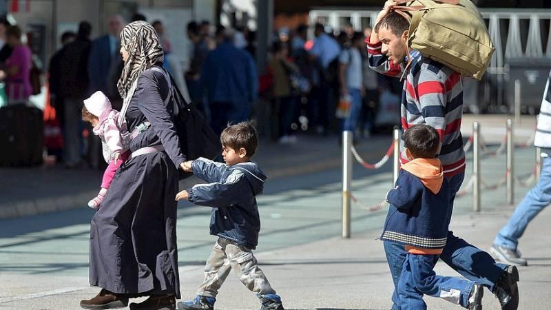 Boletines RNE - El presidente del PE presenta una propuesta urgente para el reparto de 120.000 refugiados - Escuchar ahora