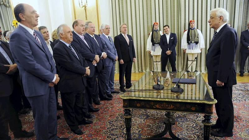 Boletines RNE - Toma posesión el nuevo gobierno griego - Escuchar ahora