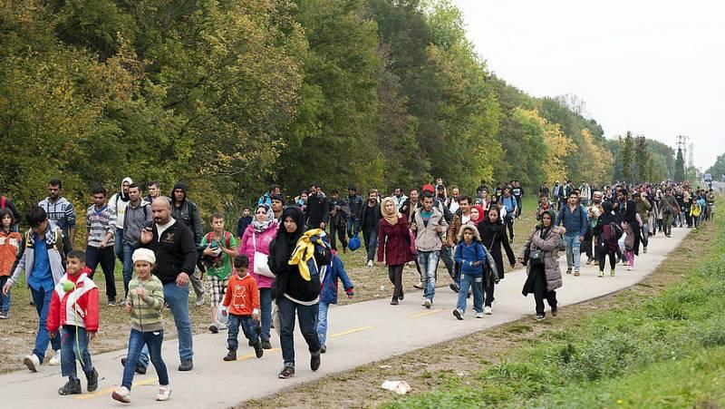 Radio 5 Actualidad - ACNUR alerta de que hay 10.000 refugiados en Serbia sin comida ni abrigo  - Escuchar ahora