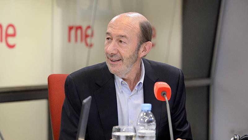 Las mañanas de RNE - Rubalcaba pide a Lozano que se dirija a los militantes del PSOE - Escuchar ahora