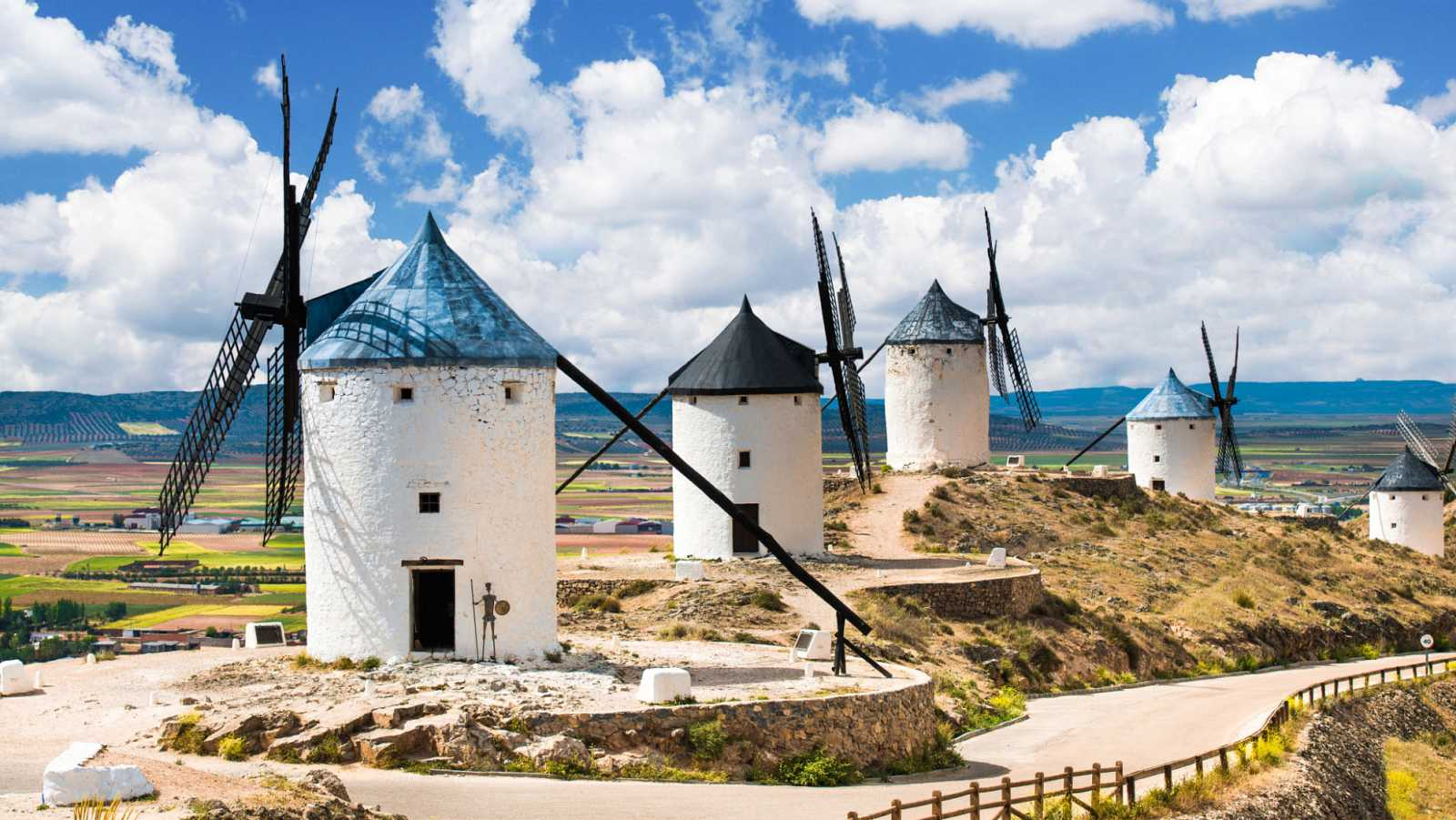Marca España - De gira por La Mancha - escuchar ahora