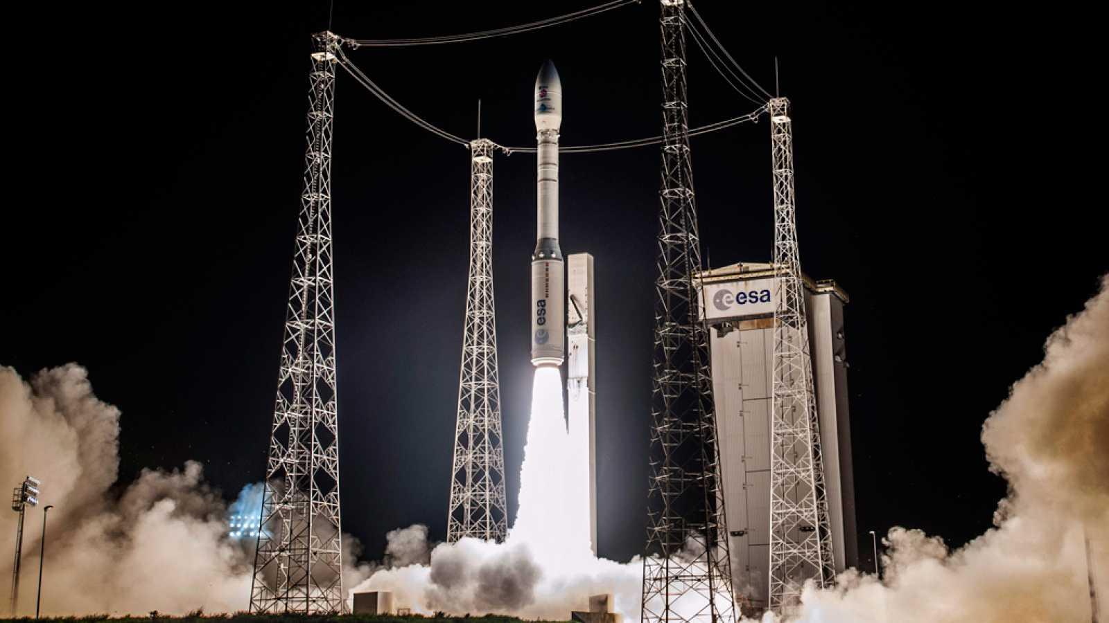 """A hombros de gigantes - Misión LISA-Pathfinder para """"escuchar"""" el sonido del Big Bang - 07/12/15 - Escuchar ahora"""