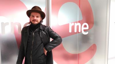 Las mañanas de RNE - Coque Malla nos presenta su nuevo disco, 'El último hombre sobre la Tierra' - Escuchar ahora