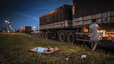 Mundo aparte - Historias de camioneros en la carretera de la soja - Escuchar ahora