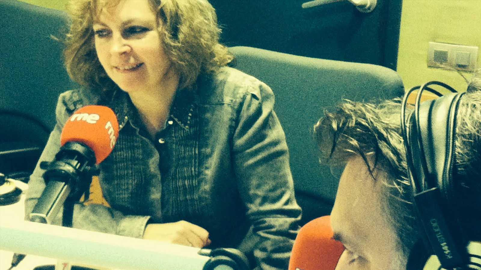 El matí a Ràdio 4 - Mª Carme Roca ens parla del seu darrer llibre: 'A punt d'estrena. De Can Jorba a Manuel Pertegaz. El somini d'una maniquí'