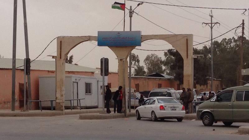 Las mañanas de RNE - 80.000 sirios se refugian en Zaatari, Jordania - Escuchar ahora