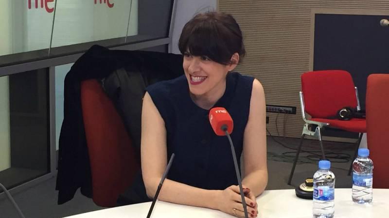 """Las mañanas de RNE - María Berasarte interpreta """"La fiesta"""" en directo - Escuchar ahora"""
