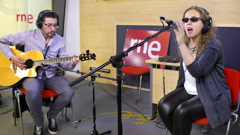 """Las mañanas de RNE - Coraluna interpreta en directo """"Puede"""" - Escuchar ahora"""