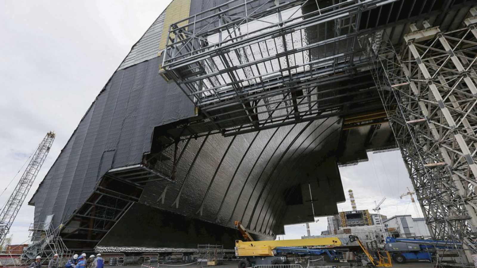 A hombros de gigantes - 30 años de la catástrofe de Chernóbil - 25/04/16 - Escuchar ahora