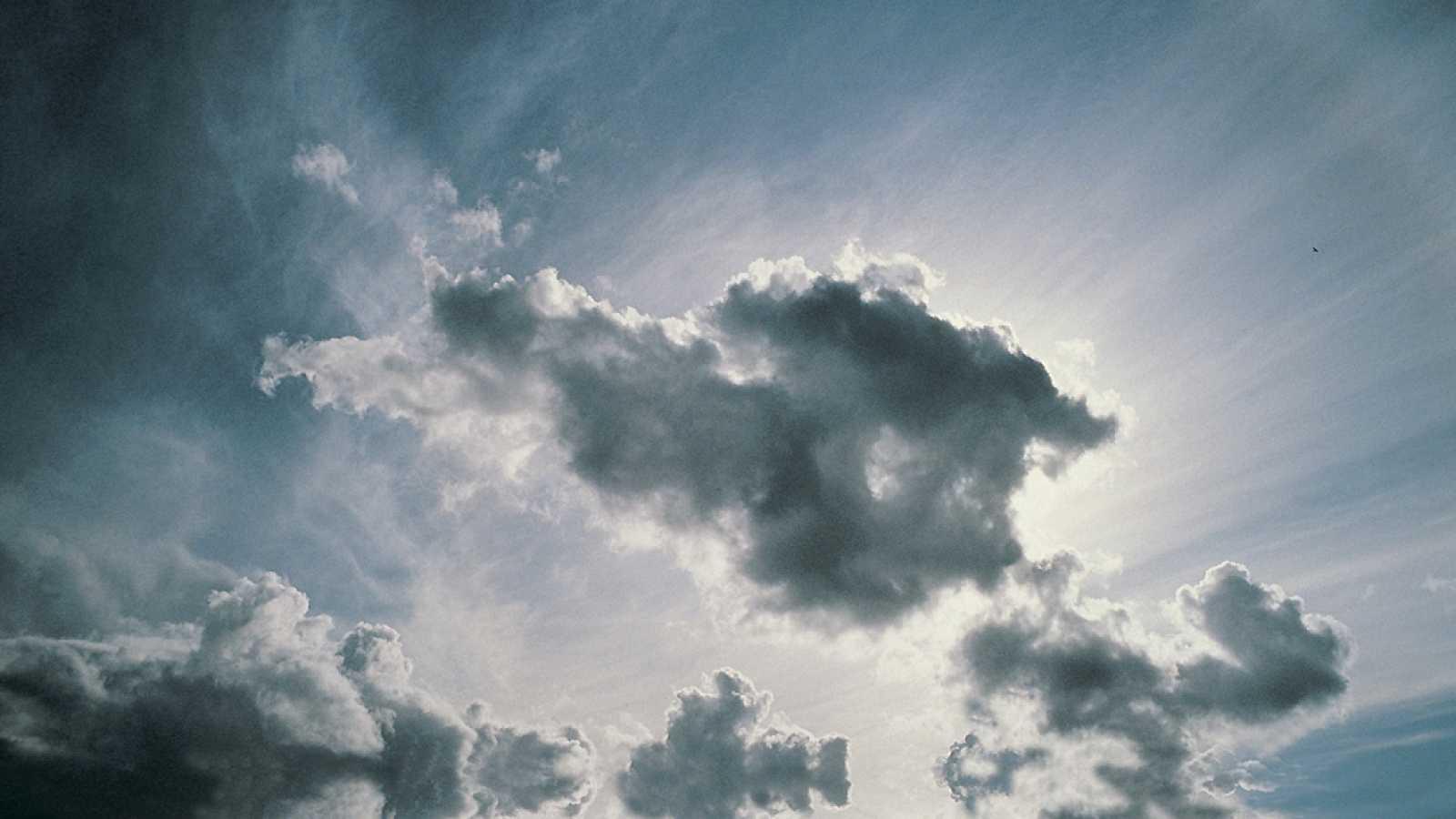 España vuelta y vuelta - 'El cielo en tus manos', un libro que profundiza en el alma  - Escuchar ahora