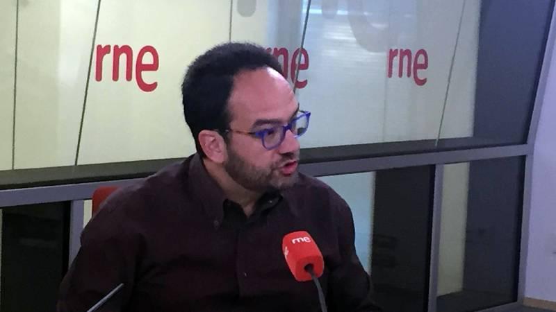"""Las mañanas de RNE - Antonio Hernando ve """"un hachazo al Estado del Bienestar"""" la bajada de impuestos propuesta por el PP - Escuchar ahora"""