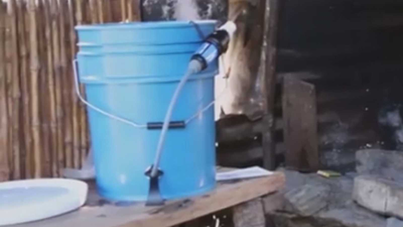 Marca España - Cuatro españoles llevan agua potable a 20.000 personas en América Latina - escuchar ahora