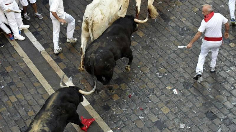Radio 5 Actualidad - Peligroso segundo encierro con heridos por asta de toro - 08/07/16 - Escuchar ahora