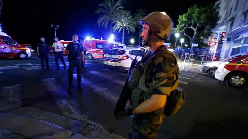 Las mañanas de RNE - Atentado de Niza: El testimonio de un hombre que estuvo a 200 m del camión