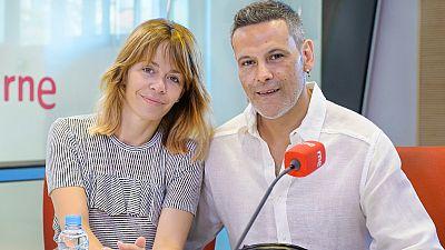 Las mañanas de RNE - María Adánez y Roberto Enríquez nos hablan de 'El pequeño poni', una obra de teatro sobre el acoso escolar - Escuchar ahora