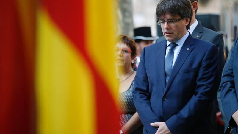 """Diario de las 2 - Puigdemont impulsará el referéndum en Cataluña solo si es """"vinculante"""" y """"factible"""" - Escuchar ahora"""