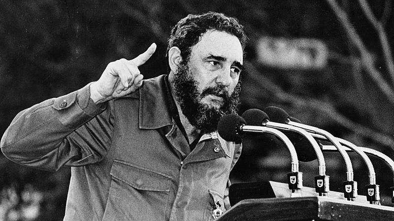 Documentos RNE - Fidel Castro. Medio siglo de revolución en Cuba - 26/11/16 - escuchar ahora