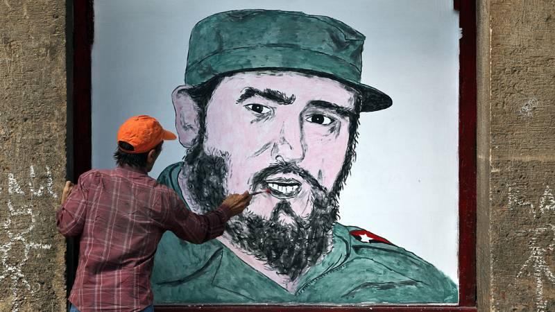 Las mañanas de RNE - Lo que sienten Zoé Valdés y Alejandro González Raga tras la muerte de Fidel Castro - Escuchar ahora