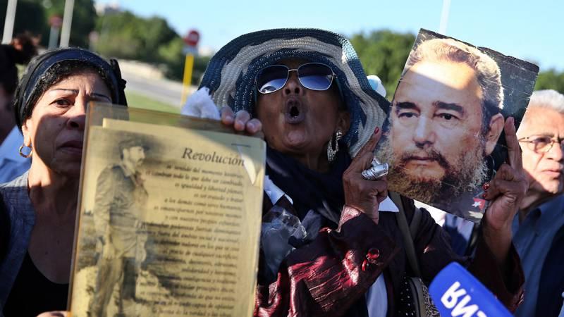 """Las mañanas de RNE - Carlos Alonso Zaldívar: """"Trump no romperá las relaciones diplomáticas con Cuba"""" - Escuchar ahora"""