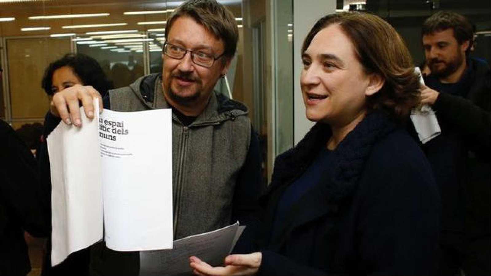 """Boletines RNE - Colau presenta """"Un país en comú"""": Defensa del referéndum y revertir recortes - Escuchar ahora"""