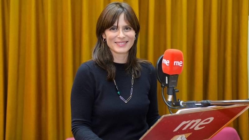 """Las mañanas de RNE - Aitana Sánchez-Gijón: """"Actuar así es muy distinto porque solo contamos con la voz"""" - Escuchar ahora"""