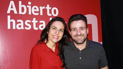 Abierto hasta las 2 - Fiesta del teatro con Funambulista, Rozalén, Abel Pintos y Raphael - 02/04/17 - escuchar ahora