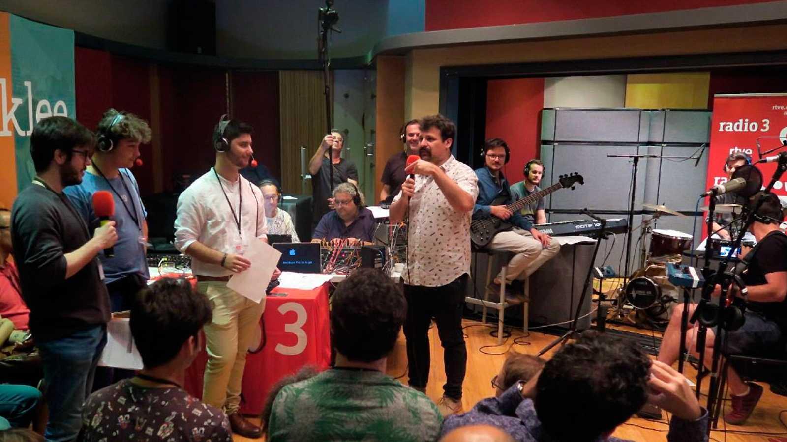 Hoy empieza todo con Ángel Carmona - Desde Berklee Valencia Campus - 01/06/17 - escuchar ahora