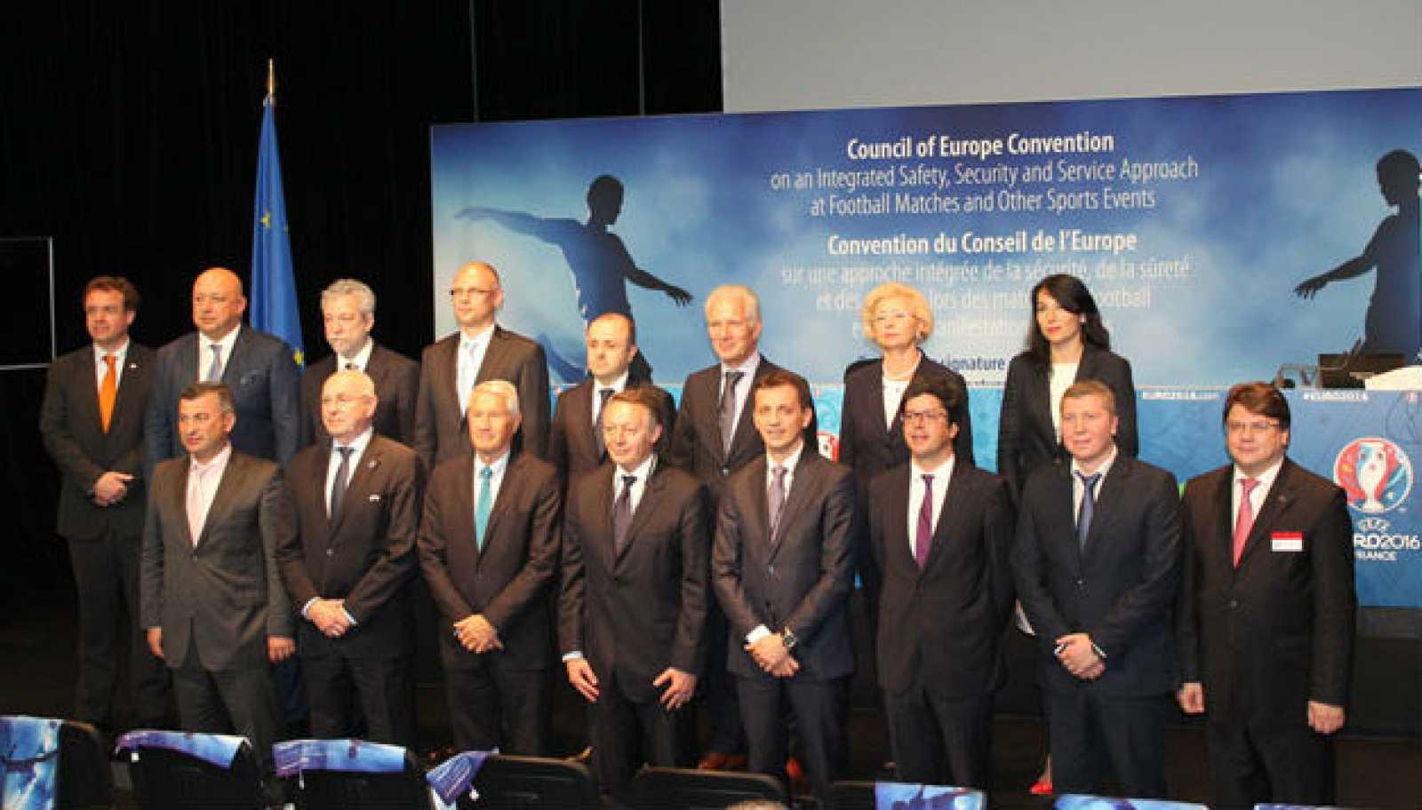 No juegues contra el deporte - Convenio del Consejo de Europa sobre la seguridad y los servicios durante los partidos de fútbol - 03/06/17 - Escuchar ahora