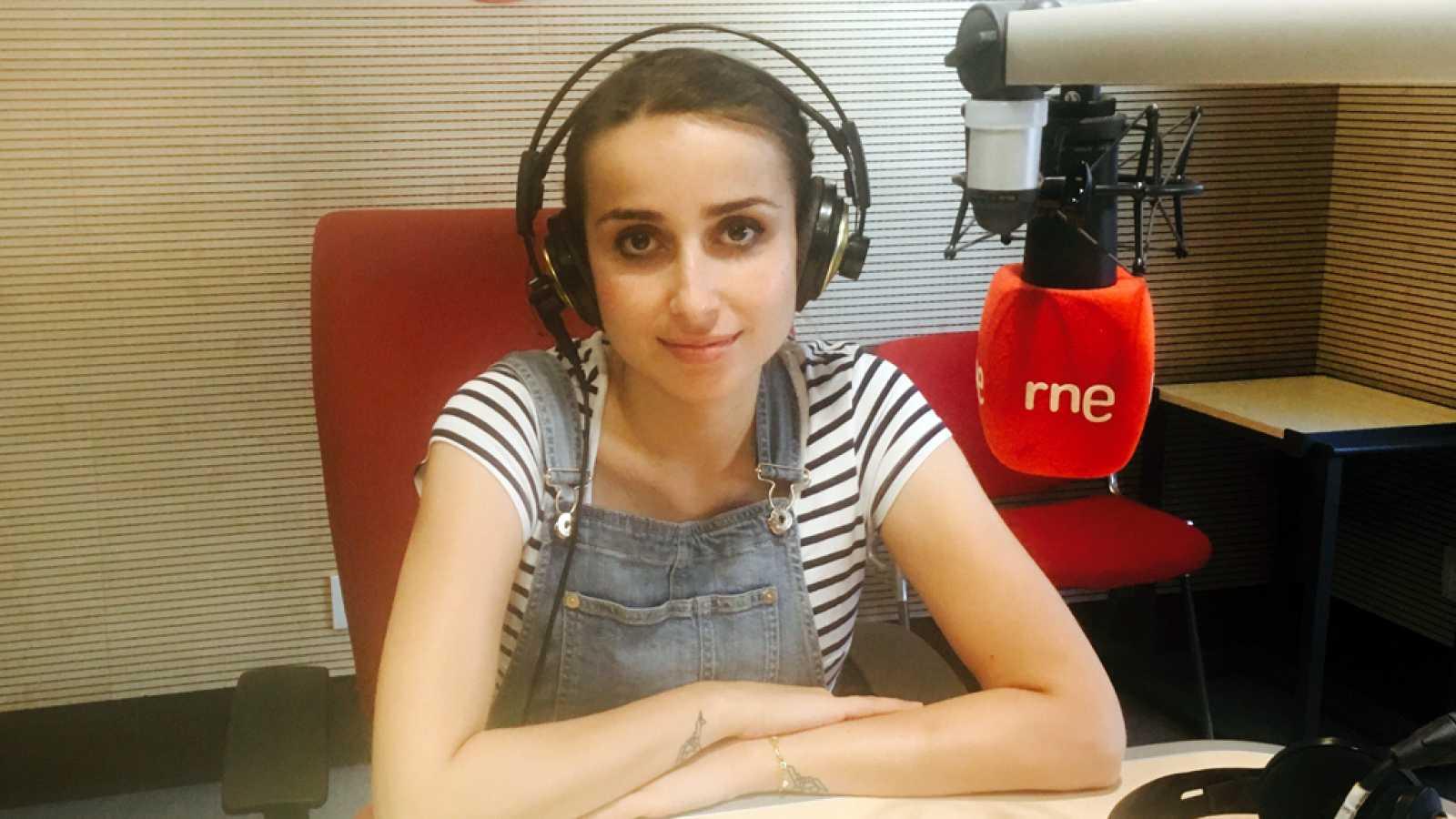 Gente despierta - Zahara nos presenta su primera novela, 'Trabajo, piso, pareja' - Escuchar ahora