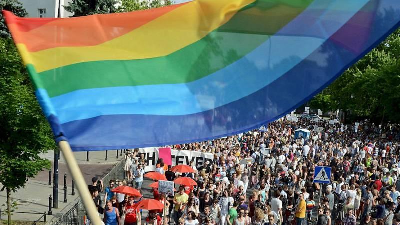 Entre paréntesis - Orgullo Gay reivindicativo