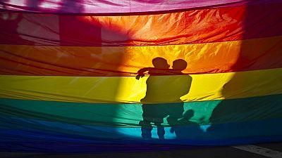 De lo más natural - Primera hora - ¿Cuándo supiste que tu hijo era homosexual? - 02/07/17 - escuchar ahora