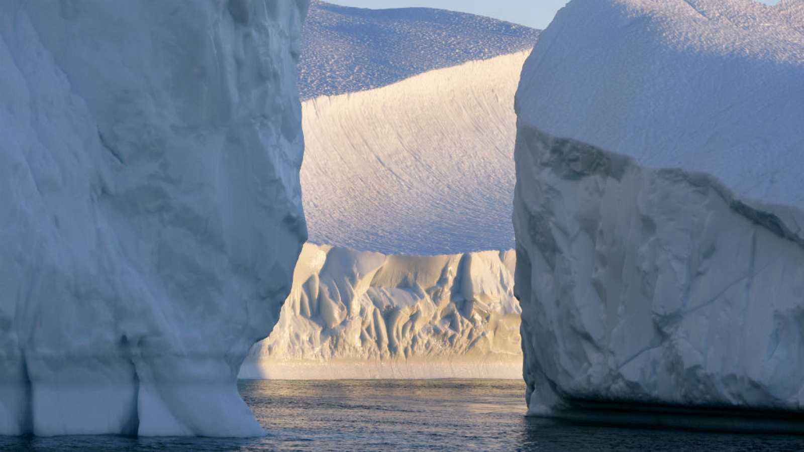 Entre paréntesis - Preocupación por el Ártico - Escuchar ahora