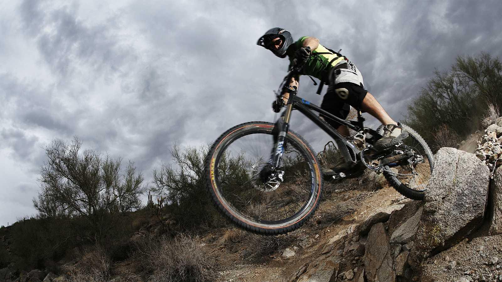 España vuelta y vuelta - La bicicleta como medio de trasporte y de ocio - 24/07/17 - Escuchar ahora