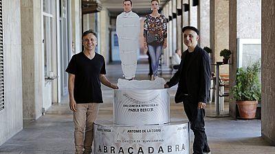 Las mañanas de RNE - Pablo Berger y José Mota nos presentan la comedia negra 'Abracadabra' - Escuchar ahora