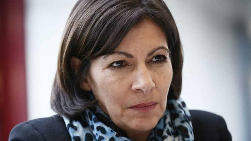Las mañanas de RNE - Anne Hidalgo confirma que hay 26 franceses heridos en Barcelona - Escuchar ahora