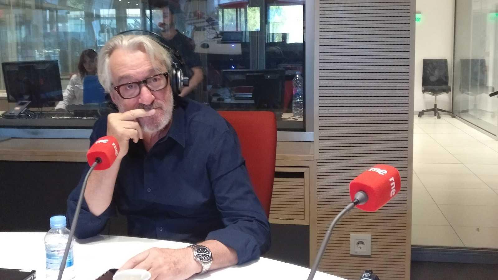 No es un día cualquiera - No es un día cualquiera - José María Fraguas - Escuchar ahora