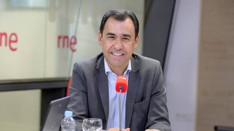 Las mañanas de RNE - Martínez-Maíllo pide a Colau que cumpla con la legalidad - Escuchar ahora
