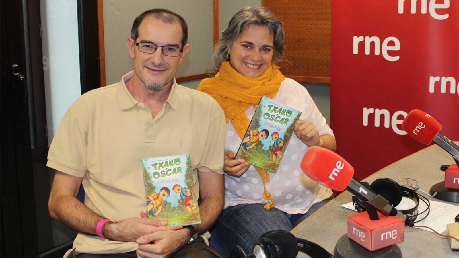 Lletra lligada - Les aventures de Txano i Óscar en català