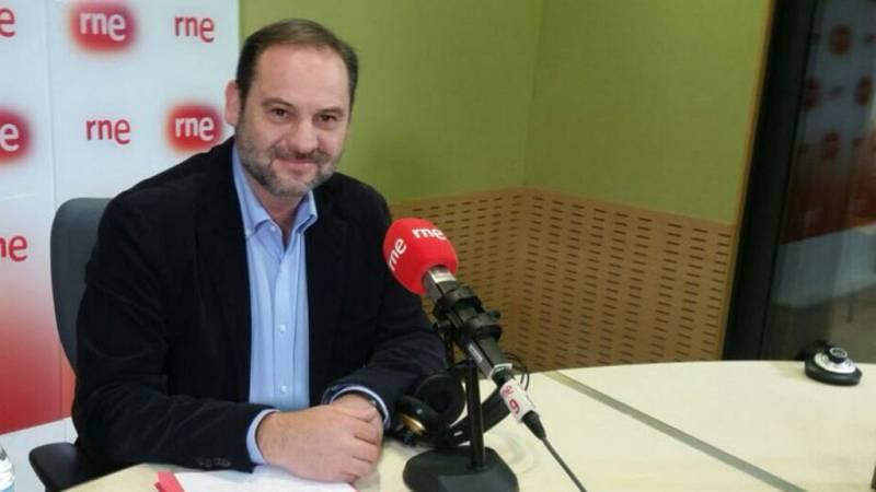 """Las mañanas de RNE - José Luis Ábalos (PSOE): """"Lo importante no es con quien pactemos sino aceptar las reglas democráticas"""" - Escuchar ahora"""