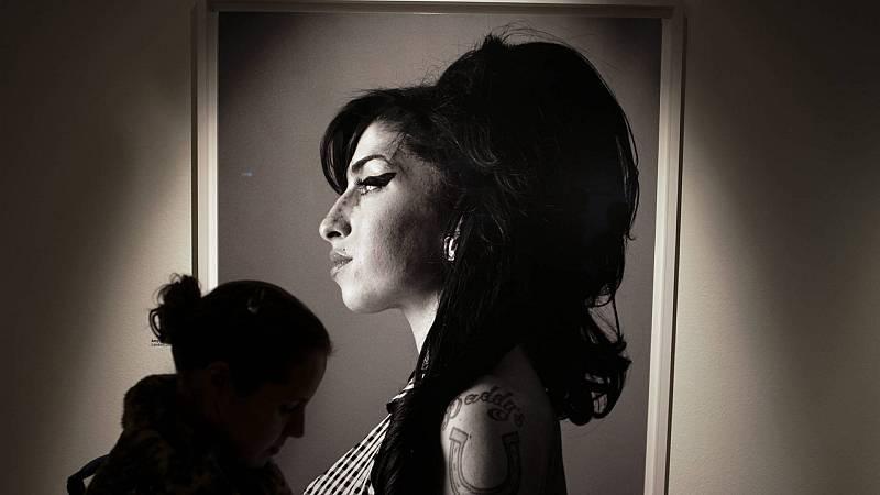 Píntalo de negro. El soul y sus historias - Amy Winehouse - 12/12/17 - Escuchar ahora