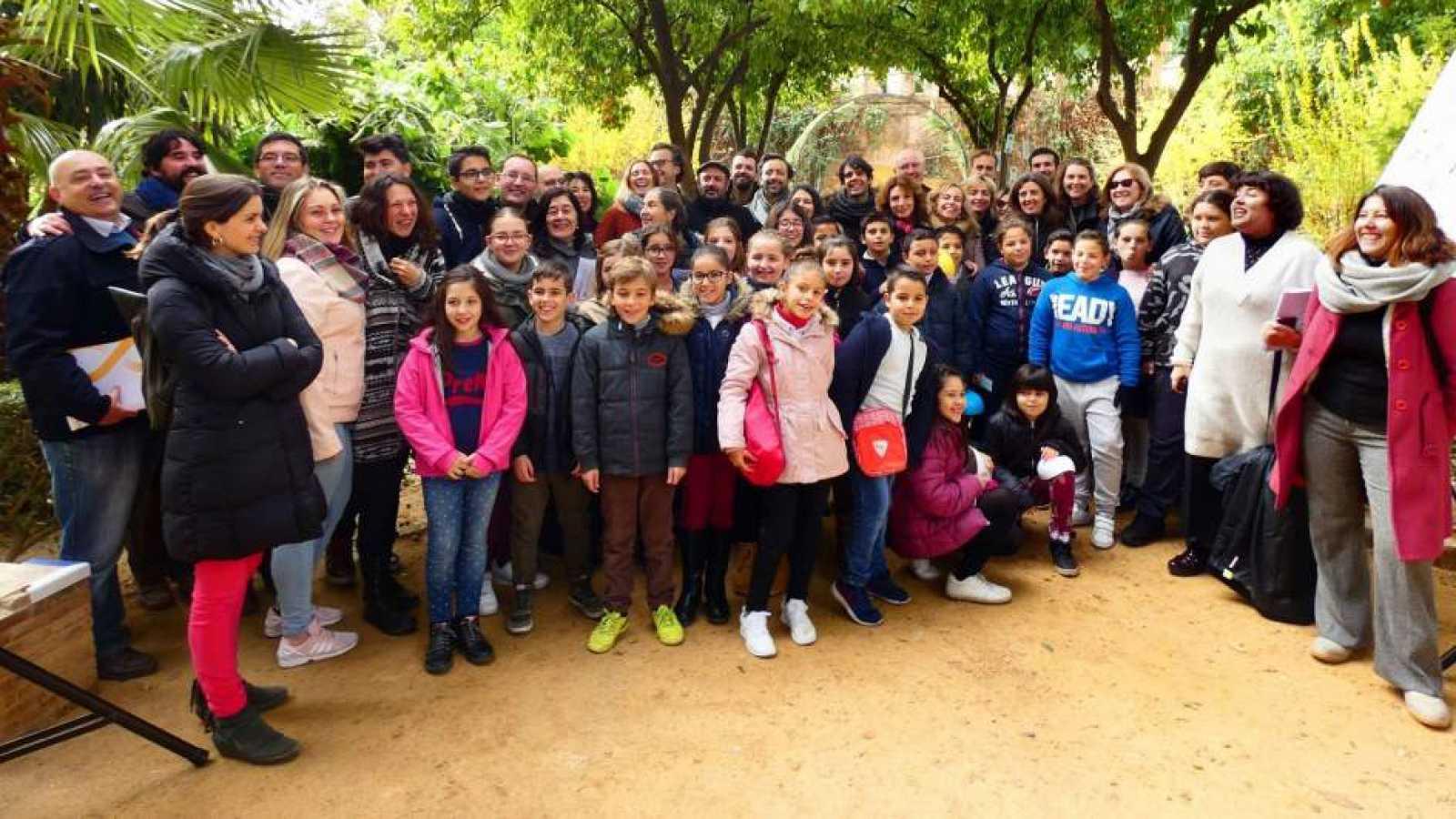 Artesfera - 'Luces de barrio' reinterpreta la Navidad en Sevilla - 29/12/17 - escuchar ahora