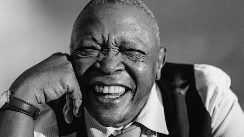Sonideros: Kiko Helguera & Rodolfo Poveda - Hugh Masekela, el baobab de la música surafricana - 04/02/18 - escuchar ahora