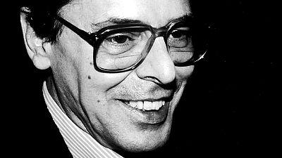 """Las cuñas de RNE - """"José Ángel Valente: por el interior de la palabra hacia el fondo de la memoria"""", este sábado en 'Documentos RNE' - Escucha ahora"""
